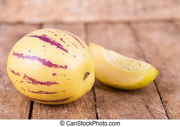 pepino melon fruit - juicy, fresh fruit pepino melon on...