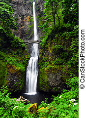 Multnomah Falls Oregon - The Beautiful Multnomah Falls Along...