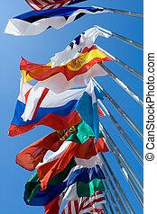 internacional, Bandeiras