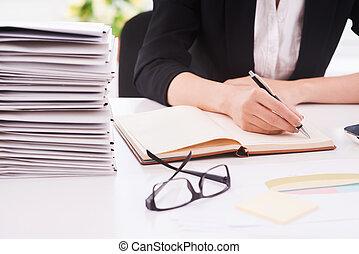 婦女, 辦公室, 工作, 坐, 圖像, 被收獲, 寫, 當時, 她, 地方, 注釋, 工作