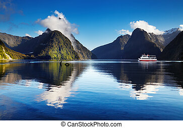 Milford Sound, New Zealand - Milford Sound, South Island,...