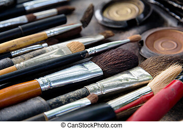 Professional cosmetic brush