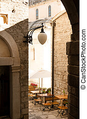 Sibenik restaurant - Traditional sidewalk restaurant in...