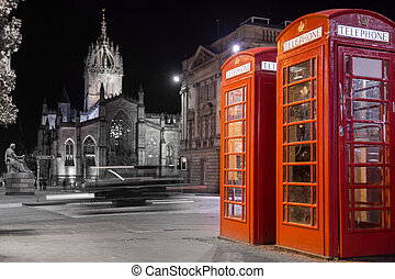 Classic red British telephone box, night scene - Night view...