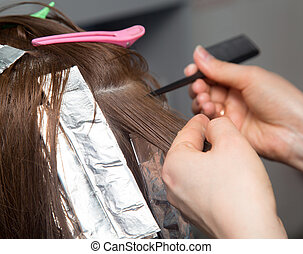 weave hair in salon