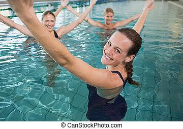 aeróbica,  aqua, femininas, condicão física, sorrindo, classe