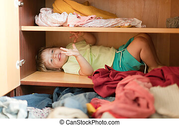 Baby girl is in the closet - Baby girl is in the parent's...