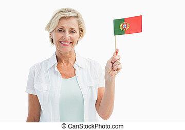 Feliz, maduras, mulher, segurando, PORTUGAL, bandeira,