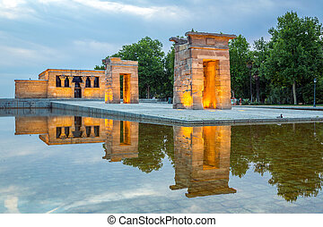 Debod Temple Madrid - Sunset over the Temple de debod in...
