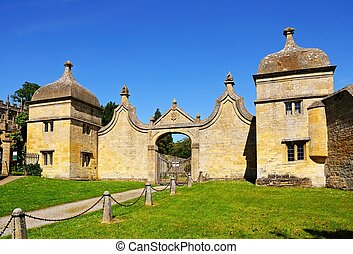 Gatehouse, Chipping Campden. - Gatehouse to the Old Campden...