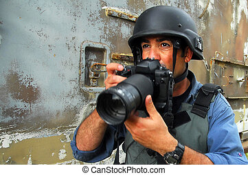 Photojournalist documenting war and conflict - NACHAL OZ,ISR...
