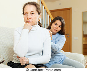 Teen girl tries reconcile with her mother - Teen girl tries...