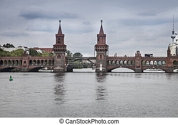bridge in the center of berlin - bridge over the river in...