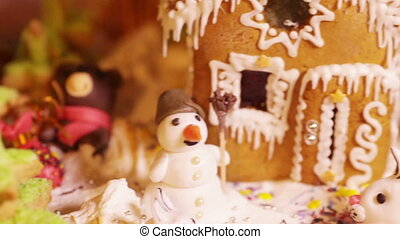 Christmas cake with little animals - Cake with a snowman and...