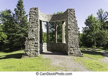 MacKenzie King Ruins, Gatineau Park