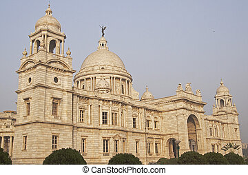 Victoria Memorial in Kolkata, India Ornate white marble...