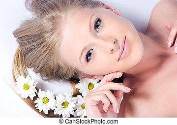 Camomile flowers - Beautiful blonde girl with camomile...