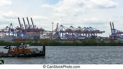 Gantry Lift Trucks, huge ship passi - 4K, Gantry Lift...