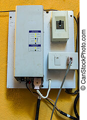 stand alone inverter with solar charge controller