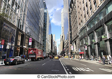 New York City - NEW YORK, USA - OCT 12, 2012 : Busy traffic...