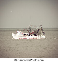 Shrimp Boat - Shrimp boat returning to port