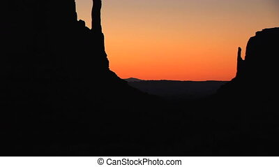 Monument Valley, sunrise - Sunrise on the Mittens, Monument...