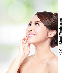 woman smile with health skin and teeth