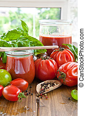 Homemade tomato sauce made from fresh tomatoes and basil