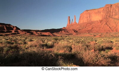 Monument Valley - Three Sisters, Monument Valley Navajo...