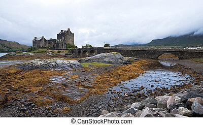 Eilean Donan castle, Scotland - Famous Eilean Donan castle...