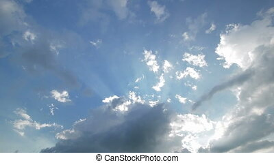 Time-lapse sky with highlighted clo - Time-lapse blue sky...