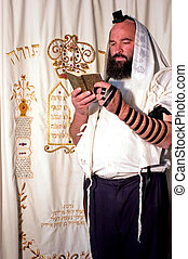 Jewish Man Praying - JERUSALEM - NOV 20 2005:Orthodox Jewish...