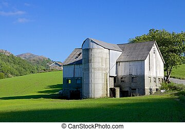Norwegian Grain Silo 012 - Shabby Norwegian farm house and...