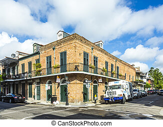 eople visit historic building in the French Quarter - NEW...