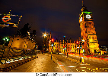 Big Ben and Houses of parliament at dusk