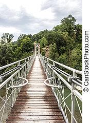 ponte sul fiume Reno a Panico in Emili-Romagna
