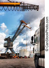 Transshipment of containers at the port