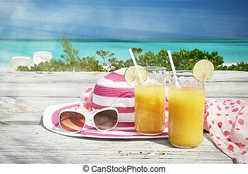 óculos de sol, chapéu, laranja, suco