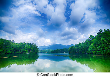 lake santeetlah in great smoky mountains north carolina -...