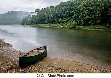 Rainy Day on Buffalo River - Loney canoe trip on the bufflao...