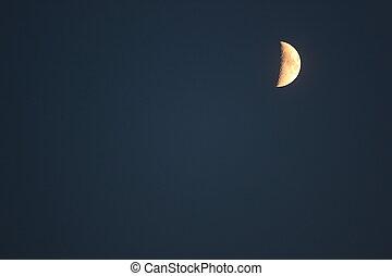 Oscuridad, azul, luna