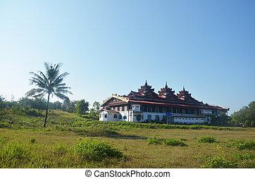 Tai Ta Ya Monastery or Sao Roi Ton