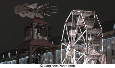Riesenrad auf dem Weihnachtsmarkt - Riesenrad auf dem...
