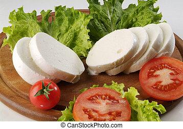 piatto mozzarella - italian mozzarella plate with tomatoes...