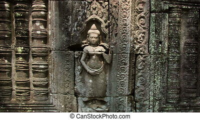 Apsara bas-relief shadow zoom timelapse - Angkor temples...