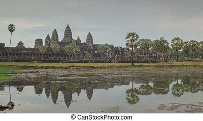 Angkor Wat temple zoom timelapse 2