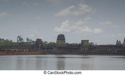 Angkor Wat temple zoom timelapse 1