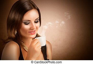 Beautiful girl drinking coffee - Beautiful girl drinking an...