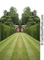 Striped lawn 4
