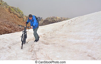 mountain biking - extreme mountain biking in the snow